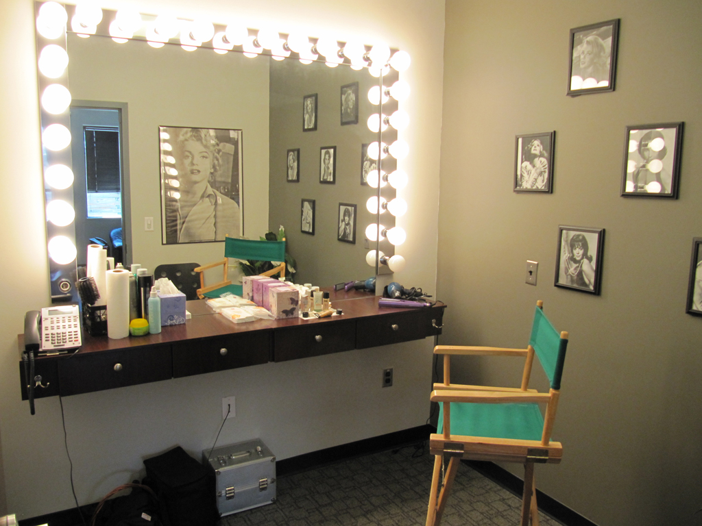 Green Room, Client Offices, Make-up, Kitchen, and more ... on Makeup Room  id=69348