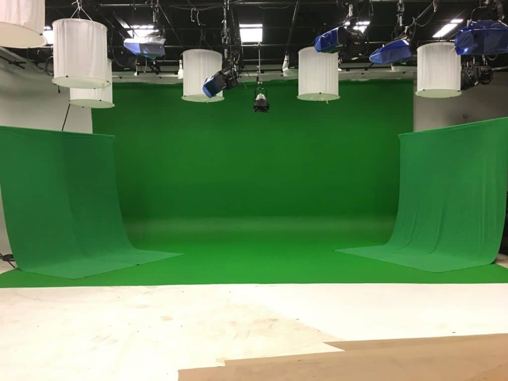 Green Screen with Wings